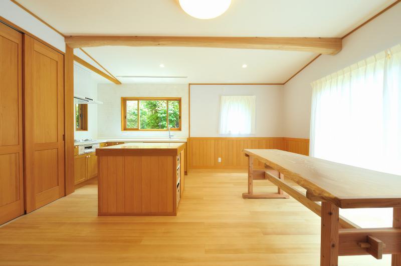 大工造りもみの木テーブル
