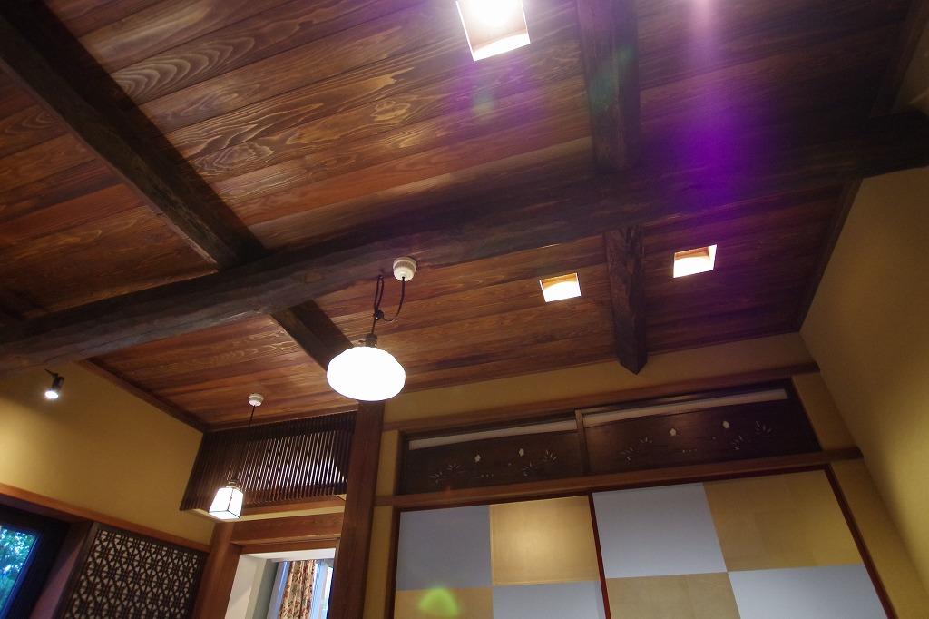 ペンダントライトは、お施主様が京都より仕入れました。